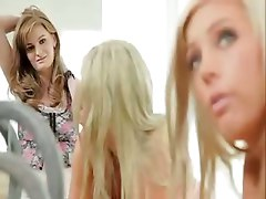 blonde redhead lesbian scissor tribbing tribadism