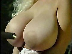 big tits boobs blonde busty hugetits softcore striptease toppsy curvey