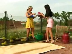 lesbian outdoor kissing Pussylicking 69 Tight Fingering Dildo Toys