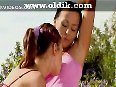 lesbians pretty girls kissing lesbian teens videos teen