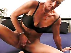 Bedroom Fingering Granny