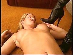 Lesbians MILFs Blondes Brunettes Foot Fetish