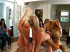 Blowjob Group Blonde Blonde Blowjob Caucasian Masturbation Oral Sex Party Position 69 Threesome Vaginal Masturbation