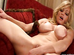 MILF Squirting Masturbation Blonde Blonde Caucasian MILF Masturbation Shaved Solo Girl Squirting Toys Vaginal Masturbation