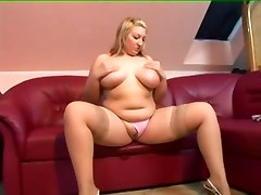 Amateur BBW Facials