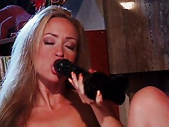 Lesbian Blonde Black-haired Blonde Caucasian Lesbian Licking Vagina Masturbation Oral Sex Toys Vaginal Masturbation