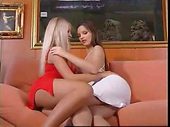 lesbian fingering pussylicking highheels kissing