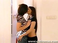 vivthomas com lesbian pussylicking orgasm brunette