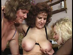 Facials Group Sex Old   Young
