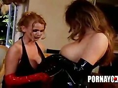 lesbians latex gloves and kianna sana use