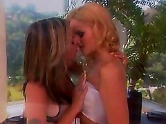 Blowjobs Lesbian Strapon