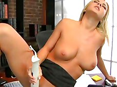 Solo Girls Toys blonde milf