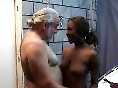 Viejo Culeandose Negrita Hermosa
