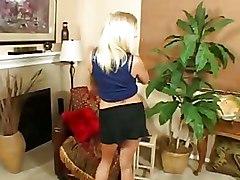 Blondes Handjobs POV