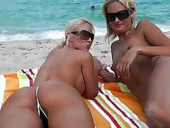 Babes Beach Lesbian