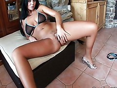 MILF Creampie Black-haired Caucasian Couple Cream Pie High Heels Licking Vagina MILF Masturbation Oral Sex Vaginal Masturbation Vaginal Sex
