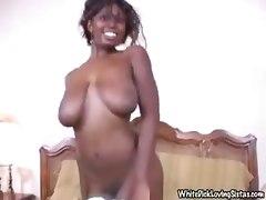 blowjob ebony slut blows on white cock