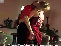 Blondes Milf Stockings blowjob