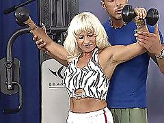 Blondes Gym Mature