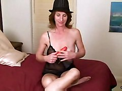 brunette mature masturbation solo sextoys