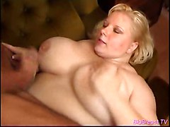 tits boobs babe busty melons breasts bbw squizing