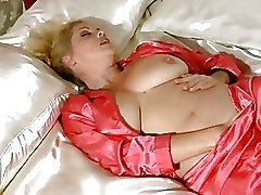 Bedroom Masturbation Milf anilos housewife