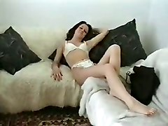 strip laura masturbate