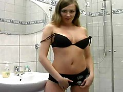 Blondes Masturbation Showers
