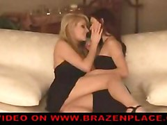 lesbian fingering pussylicking kissing