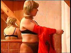 Amateur Lesbians Old + Young