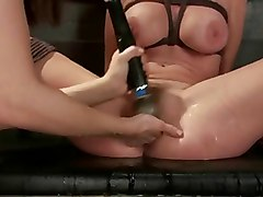 BDSM Squirting Strapon