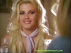 Blondes Kissing Lesbian Milf