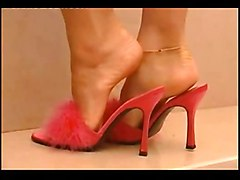 lesbian wet highheels footfetish