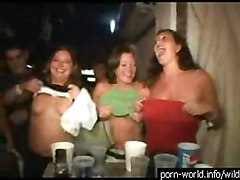Drunk Chicks Flashing