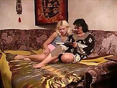 Amateur Lesbians Old   Young