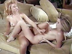 Blondes Lesbian lesbian milfs