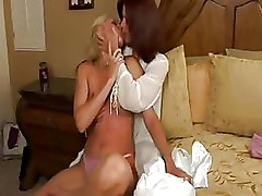 Face Sitting Lesbian Pussy Licking