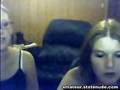 teen party girls webcam strip flash tits boobs kissing panties