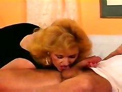 blondes matures tits