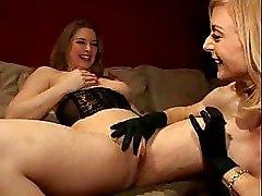 Fisting Lesbian Milf