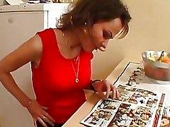 Amateur Kitchen hairy hot brunette