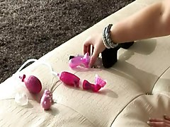 Lesbians Old+Young Sex Toys