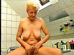 Blondes Matures Showers
