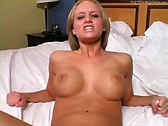 Blondes Masturbation POV