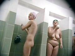 BBW Showers Voyeur