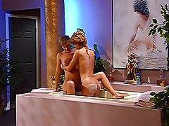 Randy Milfs In The Bathtub