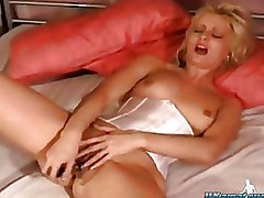 Masturbation Toys blonde solo