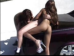 latina outdoor threesome public