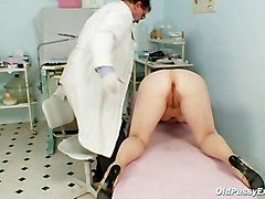 Zita Mature Woman Gyno Speculum Exam At Clinic