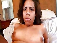 Bedroom Milf Pussy Licking